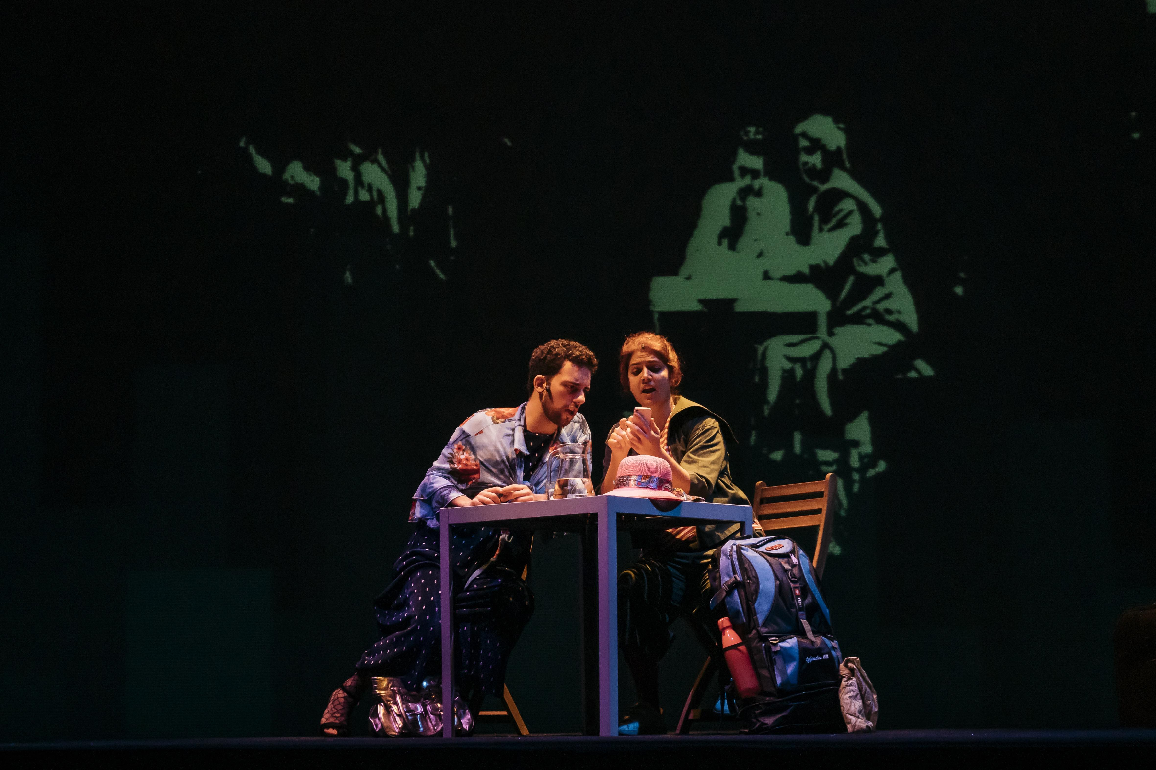 Deolinda (João Terleira) e Dulce (Teresa Nunes) | Fotografia de João Cruz / MPMP